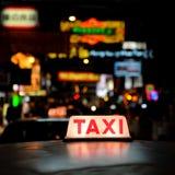 Sinal do táxi fotos de stock royalty free