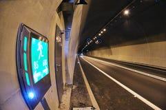 sinal do túnel da estrada Fotos de Stock