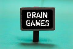 Sinal do texto que mostra Brain Games Tática psicológica da foto conceptual a manipular ou intimidar com os vagabundos oponentes  fotografia de stock royalty free