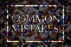 Sinal do texto que mostra a erros comuns a chamada inspirador O lote conceptual da foto dos povos faz a mesma ação em mensagens e Imagens de Stock Royalty Free