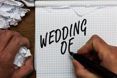 Sinal do texto que mostra o casamento de A foto conceptual que anunciam esse homem e a mulher agora como o casal equipam para sem imagens de stock royalty free