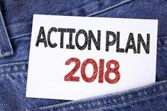 Sinal do texto que mostra o plano de ação 2018 A foto conceptual planeia o desenvolvimento da melhoria dos objetivos da vida das  Foto de Stock Royalty Free