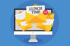 Sinal do texto que mostra o tempo do almoço Refeição conceptual da foto no meio do dia após o café da manhã e antes de receber do ilustração stock