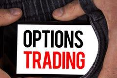Sinal do texto que mostra a troca de opções Análise conceptual do mercado de valores de ação das mercadorias do investimento de t Fotos de Stock
