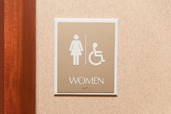 Sinal do toalete das mulheres Foto de Stock Royalty Free
