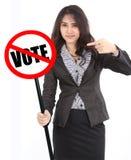 Sinal do voto da terra arrendada da mulher Fotografia de Stock
