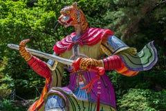 Sinal do zod?aco: Tiger Statue Lanterna de papel do sinal astrol?gico em um templo budista em Coreia do Sul Guinsa, regi?o de Dan imagens de stock