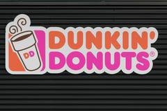 Sinal dos anéis de espuma de Dunkin Imagens de Stock Royalty Free