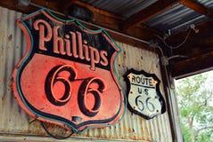 Sinal e logotipo do posto de gasolina de Phillips 66 Fotos de Stock Royalty Free