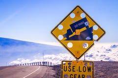 Sinal em Mauna Kea, Havaí, E.U. Imagens de Stock Royalty Free