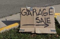 Sinal feito à mão da venda de garagem Foto de Stock Royalty Free