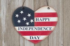 Sinal feliz retro do Dia da Independência na madeira resistida Fotografia de Stock