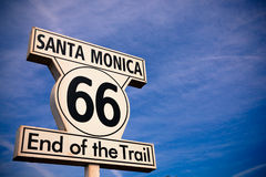 Sinal histórico de Route 66 Santa Monica Fotografia de Stock Royalty Free