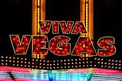 Sinal iluminado Vegas de Viva Imagens de Stock Royalty Free