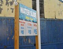 Sinal no parque da água fotografia de stock royalty free