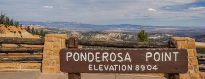 Sinal no ponto de Ponderosa em Bryce Canyon Fotografia de Stock Royalty Free