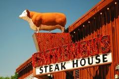 Sinal para o bife dos Cattlemen, Ft do valor, TX imagens de stock