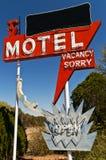 Sinal para o motel com tevê foto de stock royalty free
