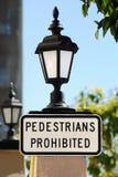 Sinal proibido pedestres Foto de Stock