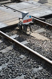 Sinal Railway pelo cruzamento pedestre Fotos de Stock Royalty Free