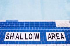 Sinal raso da área da piscina Fotografia de Stock