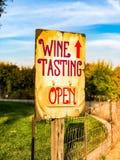 Sinal reto da degustação de vinhos foto de stock royalty free