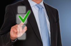 Sinal tocante do tiquetaque do homem de negócios Fotos de Stock