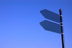 Sinal vazio e céu azul Foto de Stock Royalty Free