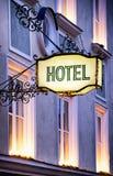 Sinal velho do hotel Fotos de Stock