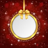 Sinal vermelho da placa do cartão de Natal com fita do ouro Imagens de Stock Royalty Free