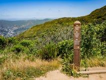 Sinalize na junção da fuga a San Pedro Valley Cnunty Park imagem de stock