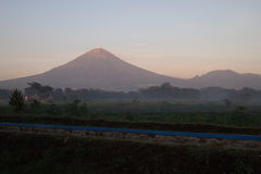 Sindoro berg i morgonen Royaltyfria Foton