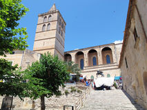 Sineu (Мальорка, Испания) с dels Nostra Senyora церков Стоковая Фотография