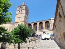 Sineu (Majorque, Espagne) avec les dels de Senyora de remèdes de charlatan d'église photographie stock