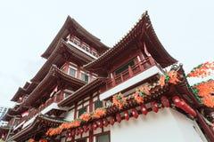 SINGAPORE - 8 agosto 2014 tempio della reliquia di Buddha Toothe in Chinatown, distretto aziendale, un'attrazione turistica impor fotografie stock libere da diritti