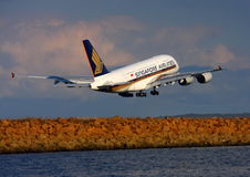 Singapore Airlines Airbus A380 departs Sydney. Royalty Free Stock Photos