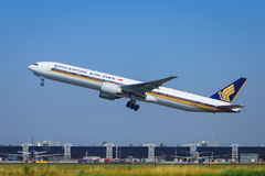 Singapore Airlines Boeing 777 Imagem de Stock Royalty Free