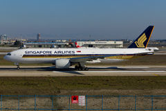 Singapore Airlines Boeing 777. Istanbul Atatürk Airport stock photo