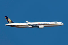 Singapore Airlines Boeing 777-312 9V-SYF departing Melbourne International Airport. Royalty Free Stock Photo