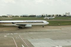 Singapore Airlines lądował przy Ho Chi Minh lotniskiem Obraz Stock