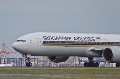 Singapore Airlines nivålandningsbana Fotografering för Bildbyråer