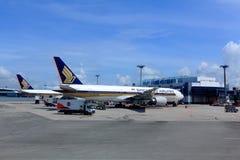 Singapore Airlines-vliegtuig Stock Foto
