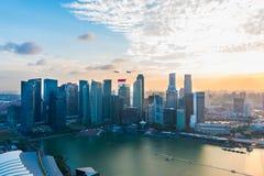 Singapore 50 anni di festa nazionale di prova generale del porticciolo di fuochi d'artificio della baia inbandiera l'esame Fotografia Stock Libera da Diritti