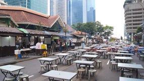 SINGAPORE - APRIL 3rd, 2015: Lau Pa Sat Festival Market var förr bekant som den Telok Ayer marknaden - nu är den ett populärt Fotografering för Bildbyråer