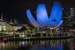 Singapore Art Science Museum bij nacht royalty-vrije stock fotografie