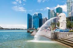 Singapore-Augusti 15, 2016 den Merlion springbrunnen i Singapore Arkivbilder