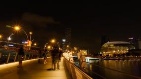 Singapore - Augusti 11, 2015: Härligt ljus av Singapore landm Arkivfoton