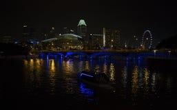 Singapore bij nacht Stock Fotografie