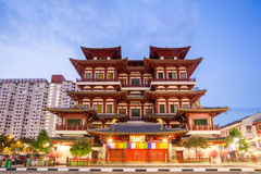 Singapore buddha tooth relic temple at dusk Stock Images