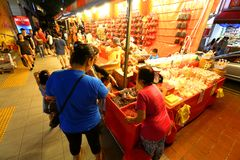 Singapore Chinatown Chinese Lunar New Year shoppin Royalty Free Stock Images